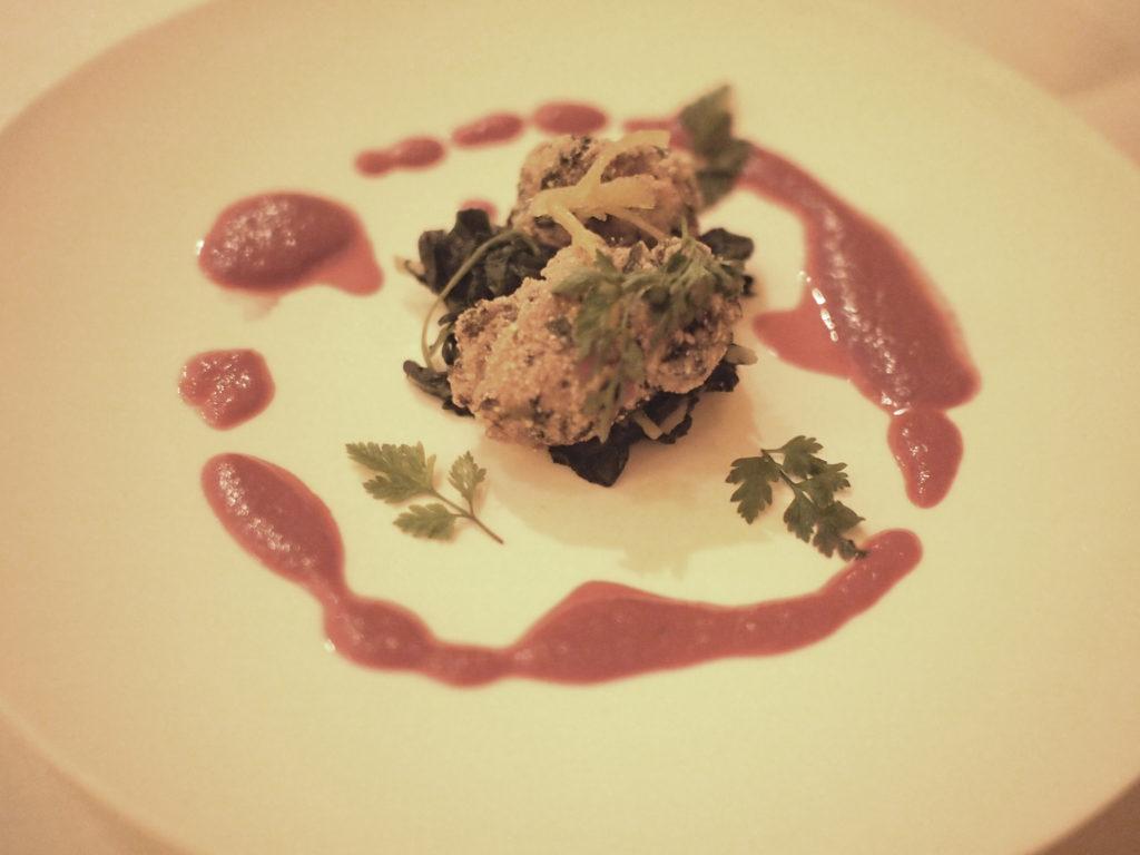Oesters met spinazie en bietensaus