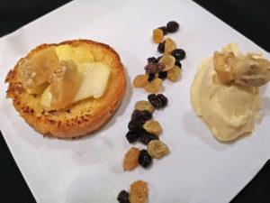 Wentelteefje met appel en kaneelroomijs